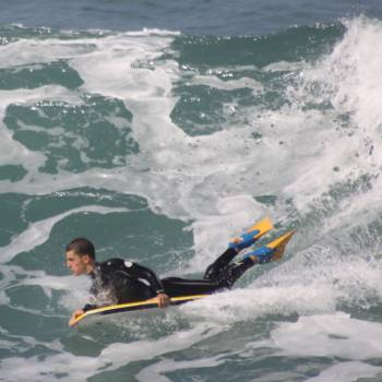 Bodyboard Surfing