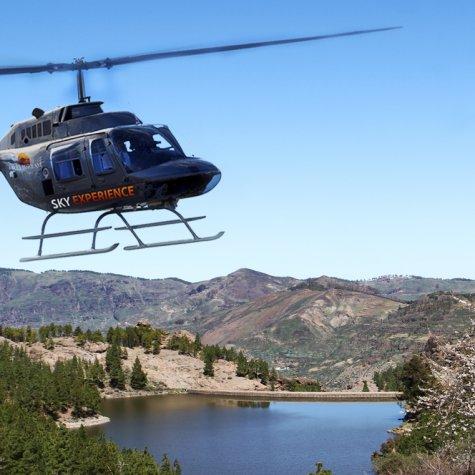 Die Südküste mit dem Hubschrauber
